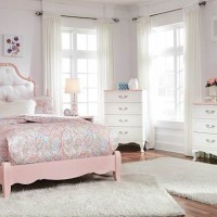 Laddi White/Pink Bedroom Set