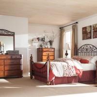 Wyatt Reddish Brown Bedroom Set