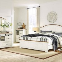Wystfield White/Brown Bedroom Set