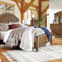 Colestad Light Brown Bedroom Set
