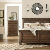 Flynnter Medium Brown Bedroom Set
