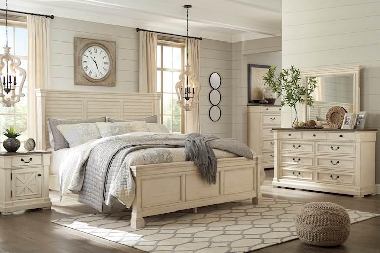 Bolanburg Antique White Bedroom Set - SpeedyFurniture.com